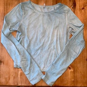🍒 blue long sleeve top size M